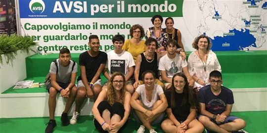 Estudantes e professores do Giordano Bruno de Albenga no Meeting de Rímini